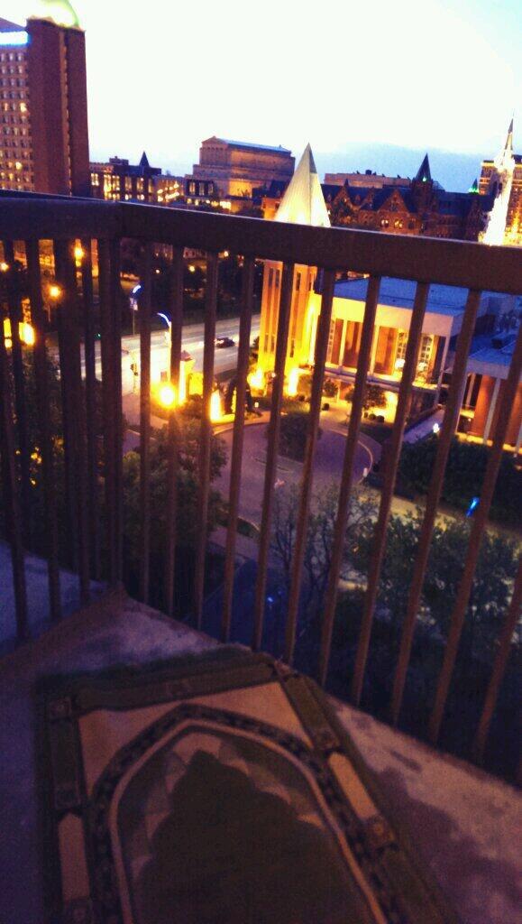 Dans un balcon