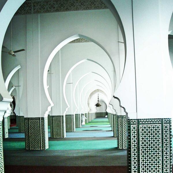 Dans la grande mosquée de Dakar au Sénégal