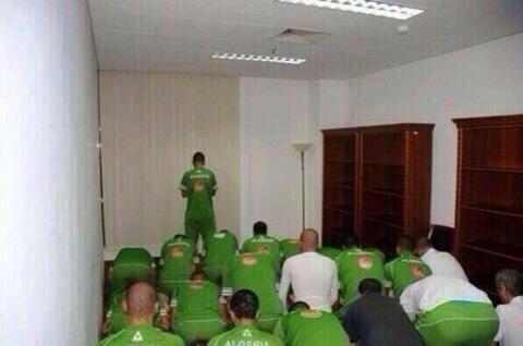 L'équipe nationale d'Algérie avant un match