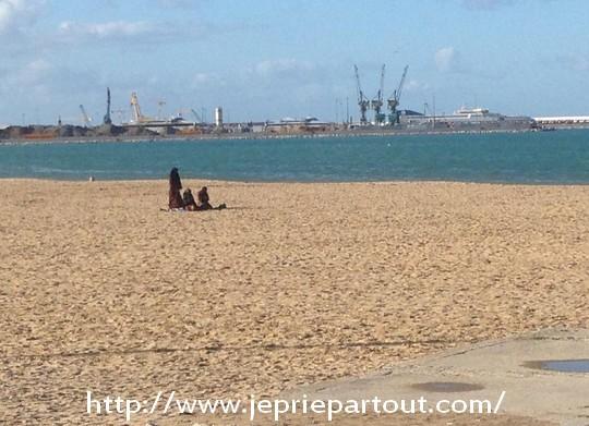 Sur la plage de Tanger, au Maroc